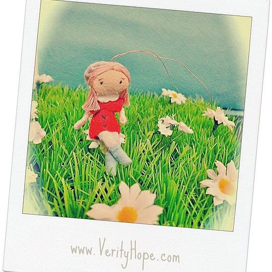"""Another little Verity Hope girl enjoying her summer.  #人形 #doll #dolls #verityhopedolls #verityhope #miniatures #miniaturedoll #flowers #kawaii"" Photo taken by @verityhopedolls on Instagram, pinned via the InstaPin iOS App! http://www.instapinapp.com (07/14/2015)"