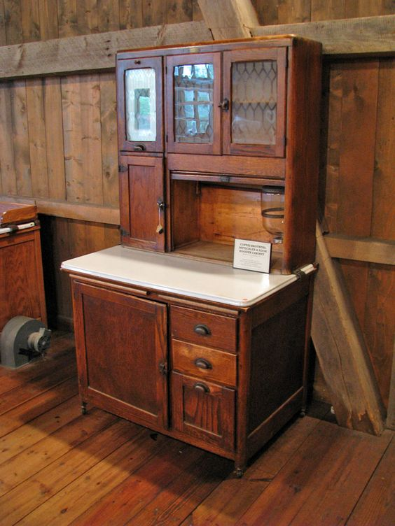 Hoosier kitchen cabinet have one very similar i display for Amish kitchen cabinets indiana