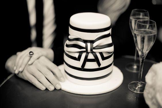 Paris Elopement Photographer Juliane Berry, black and white wedding