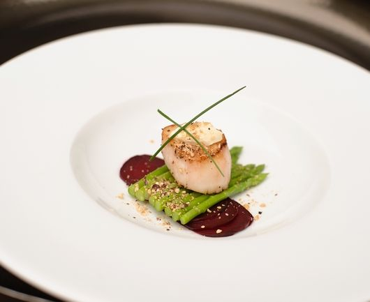 Seared scallops scallops and asparagus on pinterest for Amuse bouche cuisine