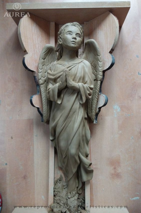 Modelado del cuerpo del ángel acabado.