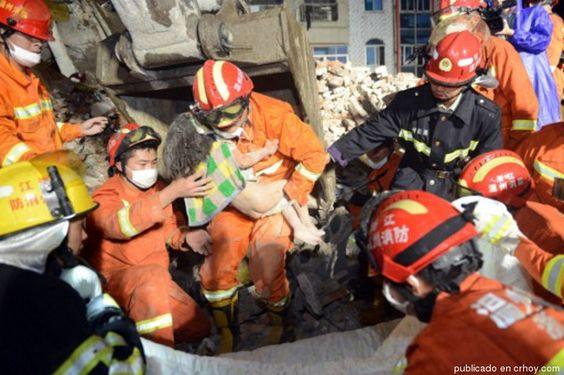 El caso de la niña sobreviviente a un derrumbe que conmueve China