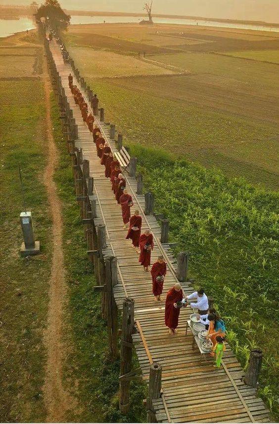 Beautiful pic of Buddhist monks on U Pein Bridge, Amarapura.