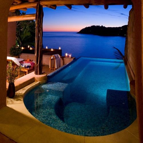 Dusk, Zihuatanejo, Mexico - Magnificent Place