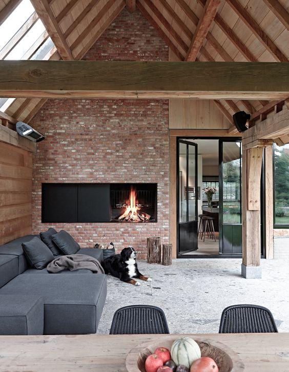 Design: Architectenbureau Benoît Viaene Fireplace: De Puydt nv (Metalfire) Photo: Jan Verlinden
