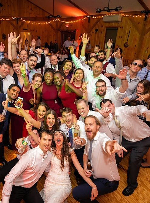 Wedding Party Of Glen Burcu In 2020 Indian Wedding Photography Wedding Reception Photography Wedding Photos Poses
