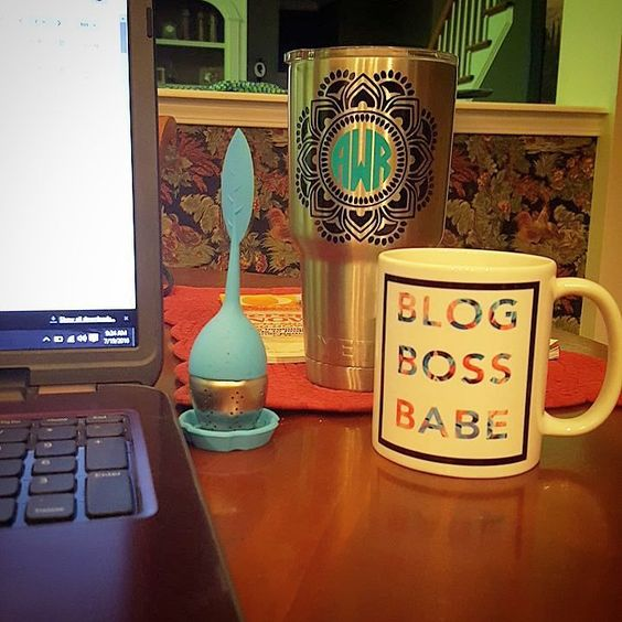 Some blogging  job hunting and #30daydetox this morning with @teamiblends.  My life is upside down right now  a great excuse to eat and drink like a moron.  Wrong. TeamiBlends helps me keep it in check.  Use code AMYW10 for 10% off your order at checkout every day. #thankyouteami #teamiblends #teamicommunitea #naturalweightloss #curbappetite #fightcravings #boostmetabolism #organic #looseleaftea #teami #teatox #lifestyleblogger #atlanta #discountcode #bloggervibes #blogbossbabe #lblogger…