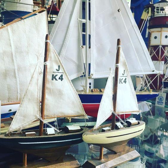 Háblame del mar marinero  #vacations#denia#azul#sea#travelgram#travel#spain#coast#boat#sailing#sailboat#blue#marinero#beachlife#beachlover#summervibes by villamorandmore