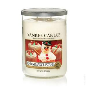 Yankee Candle: Christmas Cupcale #YankeeCandle #StopAndSmell