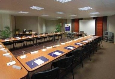 Kyriad Lunel - Salle de réunion Hérault.