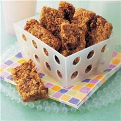 Cereal bars. Can be frozen and then thawed in lunch box.