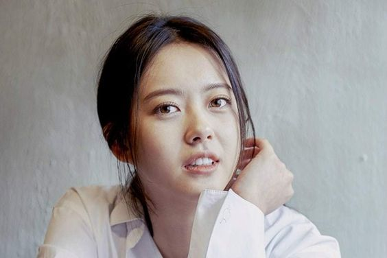 "Go Ara To Not Appear In ""Haechi"" Temporarily Due To Ankle Injury"