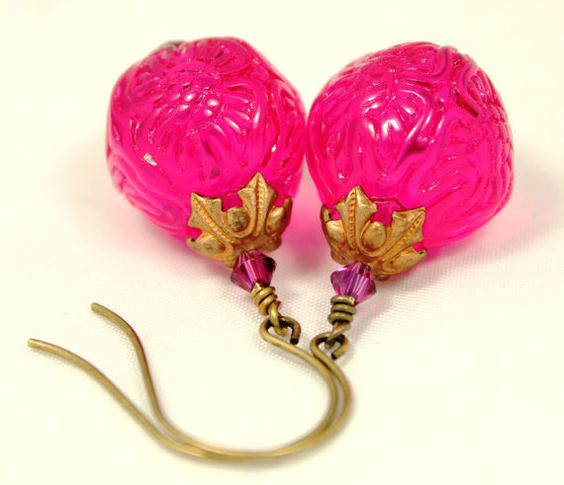 Vintage Glowing Fuchsia Berry Lucite Beads by DownUnderDesigns, $14.50