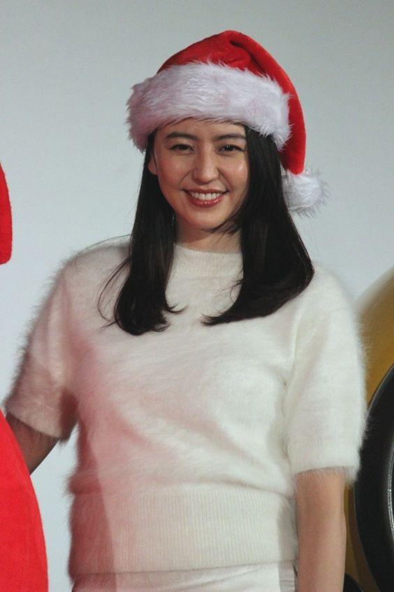 サンタ帽を被る長澤まさみさん