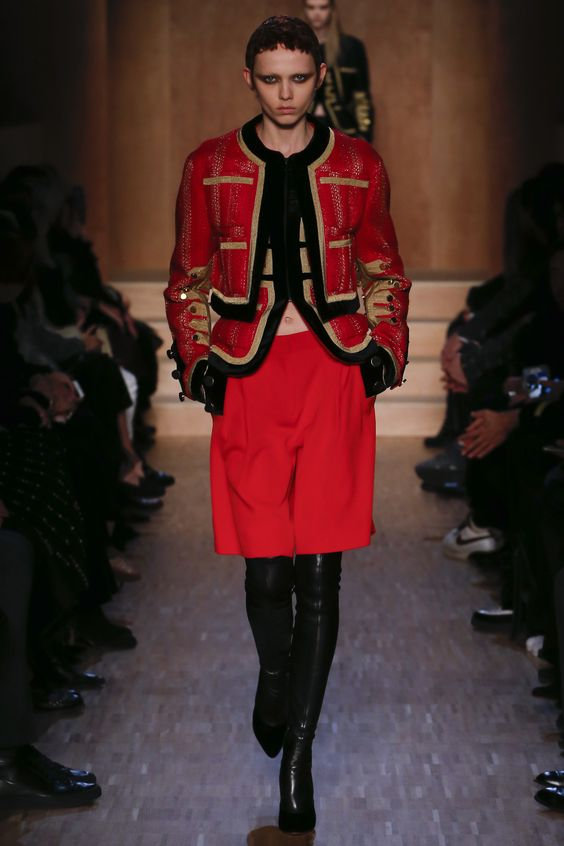 See the complete Givenchy Fall 2016 Ready-to-Wear collection.