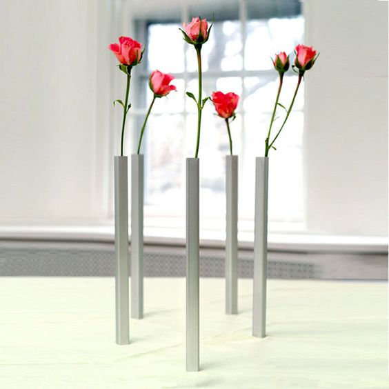 Magnetic Vases   Out Of The Ordinary 18 Creative Flower Vases Designs