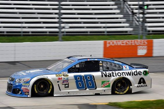 Dale Earnhardt Jr Martinsville 2016