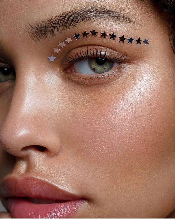 "1,315 Me gusta, 27 comentarios - Jess (@jessi_makeup) en Instagram: ""@nisrinasbia by @tamarawilliams1 ✨✨✨✨✨✨✨✨✨✨✨ Full makeup breakdown: @lauramercier Radiance Primer…"""