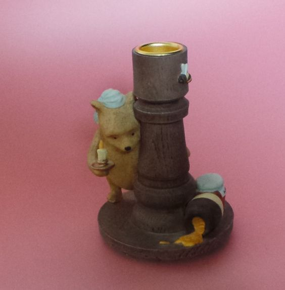 Border Fine Arts POOH CANDLESTICK BROWN Classic Pooh BOXED – redpathcollectables