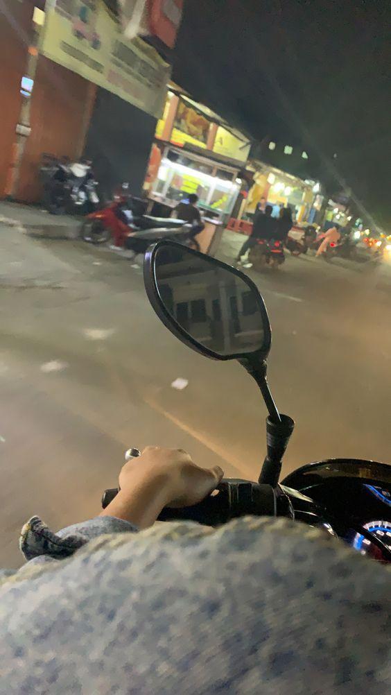 Foto Lagi Di Jalan Naik Mobil