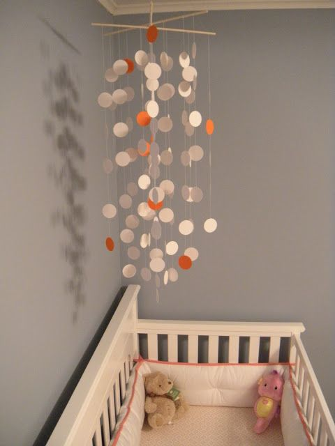 DIY crib mobile. I am going to attempt to make this, this weekend!! :)