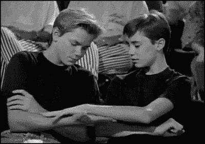River Phoenix and Wil Wheaton. Give me some skin. It's such a shame they didn't stay friends :'(