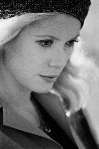 """Catherine Deneuve in""""L'Agression"""""""