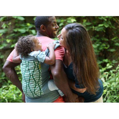 Le porte-bébé Boba 4G Bio Verde est conçu pour accueillir les nourrissons jusqu'aux enfants de 20 kg. Le Boba 4G est un porte-bébé ergonomique, ajustable très confortable qui rend les promenades encore plus agréable
