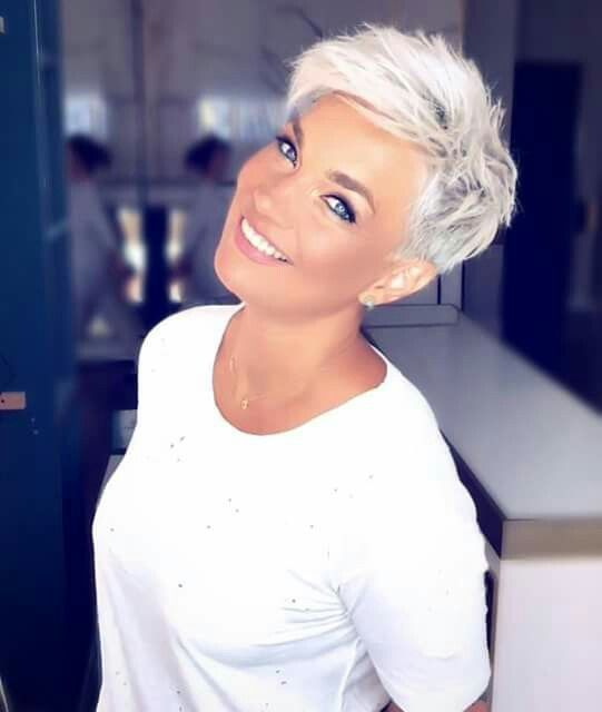 Pin By Jana Roets On Hair I Want Blonde Pixie Hair