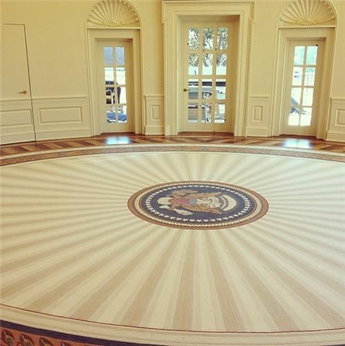 president george w bushs oval office rug with a tasteful sunburst pattern designed by laura bill clinton oval office rug