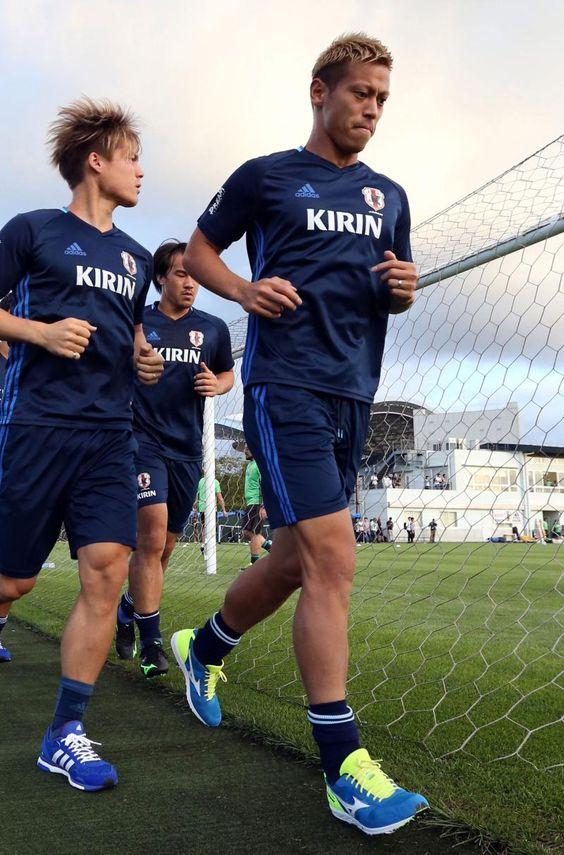 アジア最終予選UAE戦練習中の本田圭佑さん