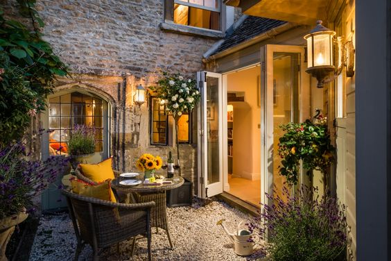 courtyard look- beautiful stone and folding doors