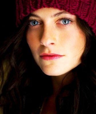 Lara Pulver accent