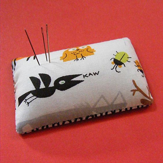 Wendi Gratz: Tutorial - Make a Needle Cushion