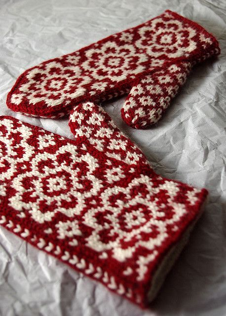 Christmas mittens/ knitted/ I can't wait until I have the skill to ...