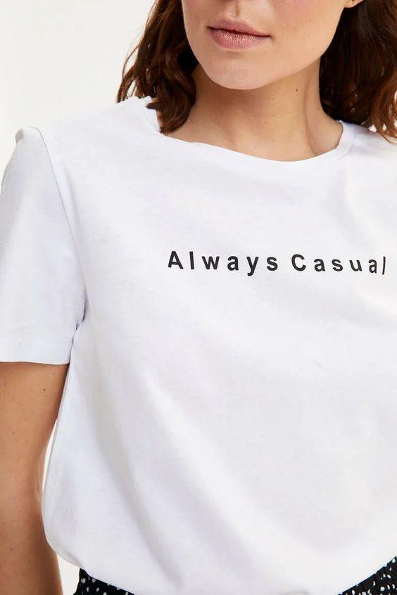 Beyaz Kadin Baskili Kisa Kollu T Shirt 1225896 Defacto 2020 Kadin Kadin Tisort Tisort