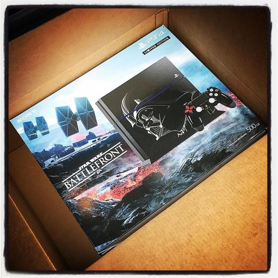 Via http://featu.re/pirillo - they're giving away a Darth Vader Limited Edition #StarWarsBattlefront PS4 & I'm unboxing this one later on my classic YouTube channel LIVE! I'll twitch from it soon too.
