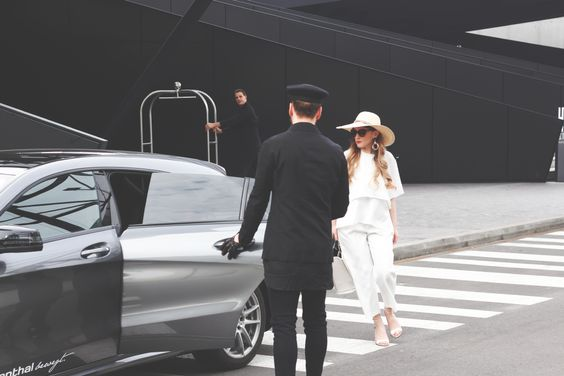 The Driver – CLA Shooting Brake by Mercedes Wiesenthal