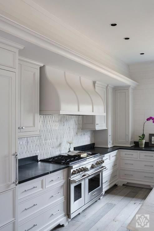 I M Keen On This Exquisite Kitchens With White Cabinets