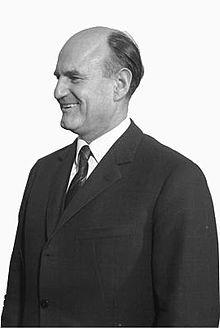 Josef Klaus (* 15. August 1910 in Mauthen, Kärnten; † 25. Juli 2001 in Wien) war ein österreichischer Politiker (ÖVP), 1949–1961 Landeshauptmann von Salzburg und 1961–1963 Finanzminister in der Regierung Gorbach. 1964–1970 war er österreichischer Bundeskanzler.