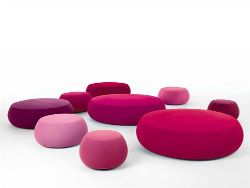 The soft round ottoman Pix, for Arper. Love this!