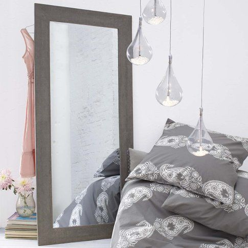 mirror with concrete frame impressionen spiegel mit. Black Bedroom Furniture Sets. Home Design Ideas