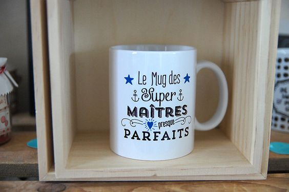 le mug des super ma tres presque parfaits personnalisable. Black Bedroom Furniture Sets. Home Design Ideas
