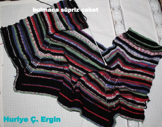 farklı renklerle ördüğüm bulmaca süpriz ceketim bitmiş hali bu şekilde görünüyor