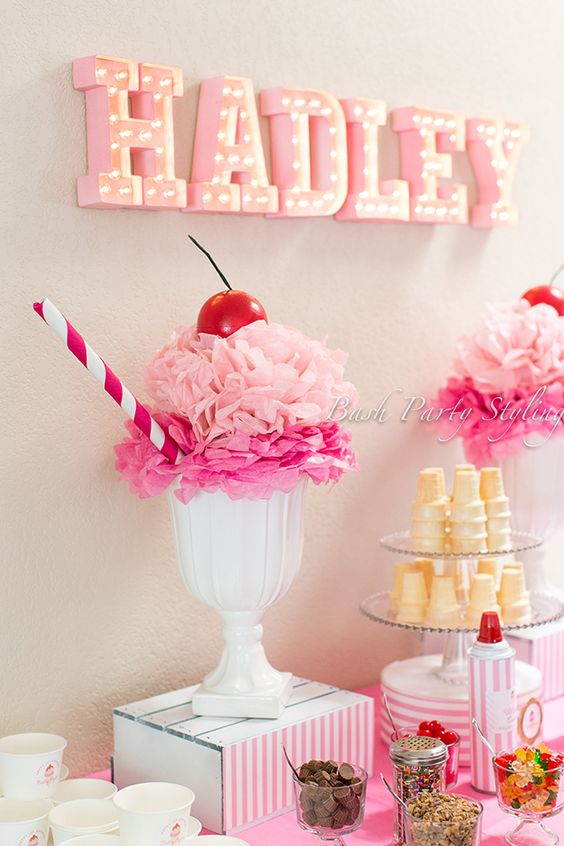 Discover the perfect party decor for your little one's ice cream themed birthday celebration.: