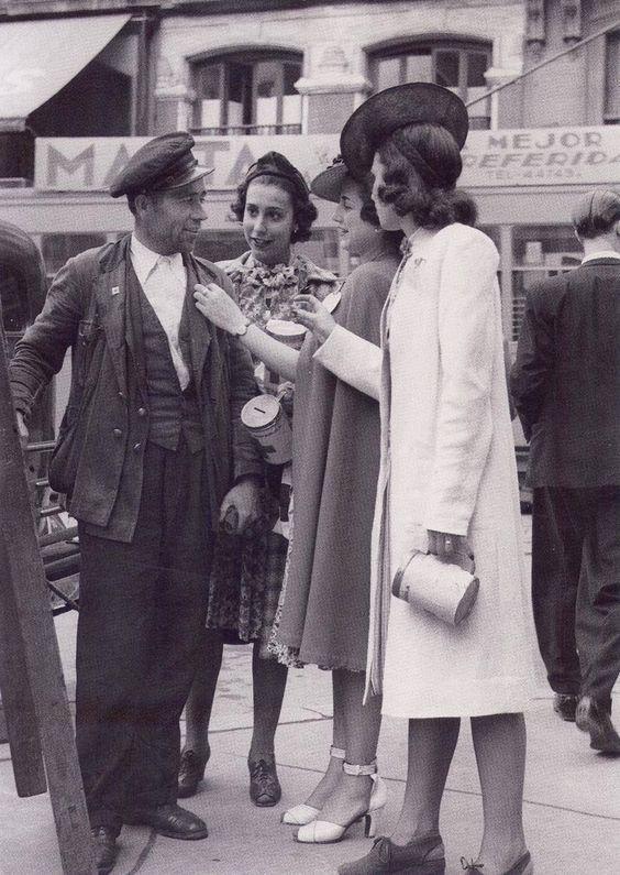 Las chicas de la Cruz Roja. Años 40.