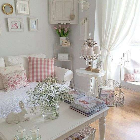 Stile Shabby Chic Ikea.Idee Per Arredare Un Soggiorno In Stile Shabby Chic Soggiorno Bianco E Rosa Shabby Chic Decor Living Shabby Chic Living Room Shabby Chic Decor Living Room