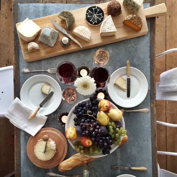 Image result for bread on a plate at a French dinner table
