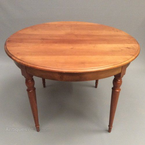 Very Decorative And Great Size French Cherry Wood Round Table