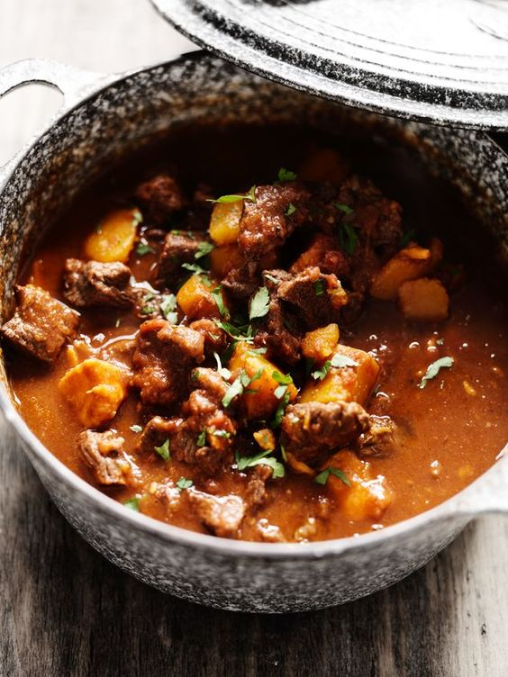 Marokkaanse runderstoof met pompoen   Moroccan beef stew with pumpkin #recept